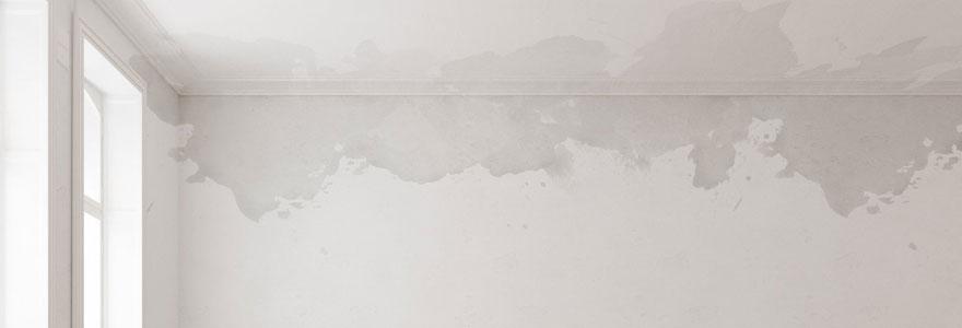 Fuite d'eau dans le mur